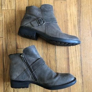 Born Boots Womens 6.5 Taupe Tan Distressed Suede